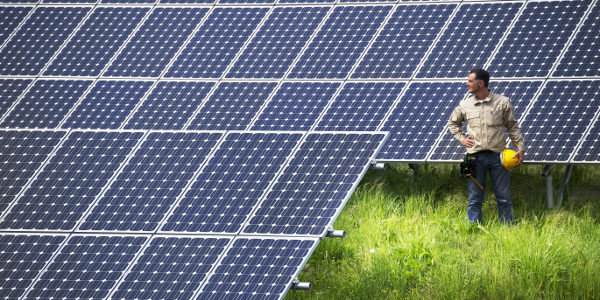 Cost of Solar Going Down gogreenlightenergy.com
